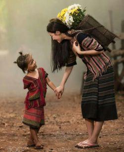 کسی که برایت آرامش بیاورد مستحق ستایش  است  انسان ها را در زیستن بشناس  نه در گفتن  در گفتار همه آراسته اند !