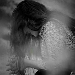 احتمالاً ...  نسبتی نزدیك دارم با «خدا»  مردم اغلب وقت تنهایی صدایم می كنند!