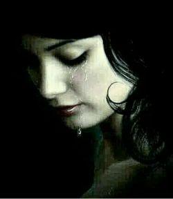  دلم نگرفته است برایِ تویی که نیستی دلم گرفته است برایِ تویی که نمی آیی و اضطرابِ اینکه آرام آرام  نمی آیی هزار تکه ام کرده است هزار تکه هایم را به هزار راهِ تو فرستاده ام اما هر بار به تلخِ تلخِ نبودن تو رسیده ام و هیچکدام از راه ها نمی دانند من دلم نگرفته است برایِ تویی که نیستی من دلم گرفته است برایِ تویی که نمی آیی...