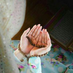 عشق رازیست که تنها به خدا باید گفت... چه سخن ها که خدا با من تنها دارد...!  فاضل نظری