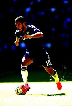 بهترین بازیکن لیگ برتر انگلیس ادن هازارد