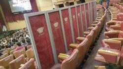 دیشب!برج میلاد. کنسرت عاشورایی حامد زمانی!!!!!!!!!! با پارتیشن جلوی صندلیهای ردیفهای عقب رو پوشوندند تا سالن خالی دیده نشه!!!!!!!!!ایستاده ها!کجا بودید؟؟!!!