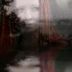  هیچ وقت بیخداحافظی   کسی را ترک نکن...   نمیدانی چه درد بدی است   پیر شدن در خم کوچههای انتظار...   بازکن پنجره را باران حرفهای   نگفته مرا چکه میکند .  گوش کن ....!!!