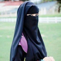 نظرتون راجب پوشیه؟ خودم ، به نظر من اون دخترایی که بد حجابن بی دین نیستن فقط معنی حجاب رو درک نکردن و ضرورتش رو احساس و گرنه اینا هموناین که وقتی میرن سوریه پوشیه می زنن به نظر من تو ایران فرهنگش جا نیافتاده و گرنه منم دوست دارم پوشیه بزنم