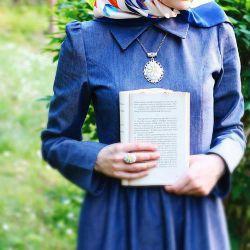 بیا حاشیه برویم... حاشیهها همیشه از متن جذاب ترند... مثل حاشیه کتاب من... که پراند.. از شعر های تو...  زهرا طراوتی