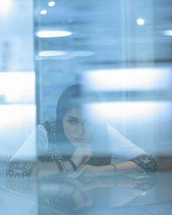 اش گلدان پشت پنجره ات بودم هی زرد میشدم  هی غصه ام را میخوردی ...  #سبحان_زمانی