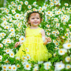 لبخند بزن به خدایی که،  با نسیم ،  مدام نوازشت می کند ....  سلام و عصرت بخیر
