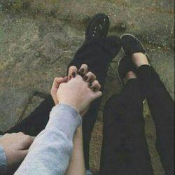 عشق شاید همین باشد :) همین که وقتی نیستی  هزار سوال در ذهنم میچرخد،  کجاست؟ چکار میکند؟ هوا سرد است سرما نخورد:) عشق شاید همین نگرانی های من باشد همین که به خود میگویم کاش زودتر بیاید... کاش بیاید  ودیگر نرود... اصلا عشق شاید همین باشد  که مُدام از خودم میپرسم اصلا دوستم دارد؟