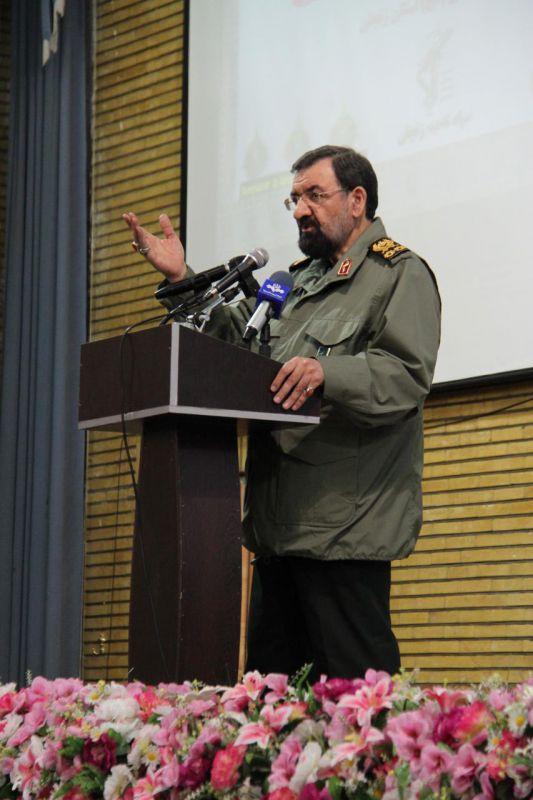 کسانی که با قیام و خشم انقلابی ملت ایران در مقابل متجاوزین و استکبار و ظالمین مخالف هستند با بسیج مخالفت می کنند. پس مخالفت با بسیج مخالفت با ملت به پا خاسته ایران است و مخالفت با انقلاب و ارزش های این انقلاب است.