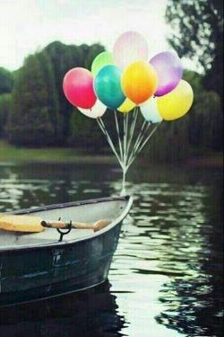قایقی خواهم ساخت ...خواهم انداخت به آب... :)