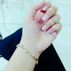 انگشتر و دستبندم قشنگه؟ البته همش بدله خخخ