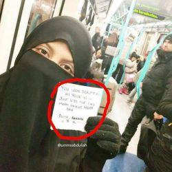 این خانم مسلمانیست که در لندن زندگی میکند، فارغ از مذهب و اعتقاداتش ، عکس و داستان کوتاه  بامزه ای رو به اشتراک گذاشته که ریپست میکنم در کامنت اول بخوانید...