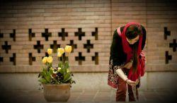 همیشه كه نباید دریا باشد وسط حیاط یک خانه قدیمی هم كه ایستاده باشی غرق میشوی در خاطرات...  #سید_حسین_دریانی