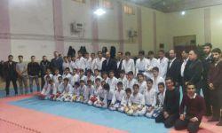 عکس دسته جمعی کاراته کاهای بوکانی و ما در روز مسابقه