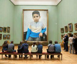 پسرم در گالری عکس لندن . #محمدمهدی # گالری عکس لندن