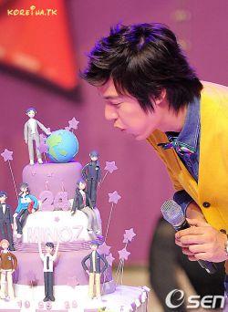 تولد تولد تولدش مبارک