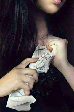اشک ها حرف های نگفته ی من هستند که هر شب روی کاغذِ گونه ها می نویسم و پاک می کنم .... #لیلی