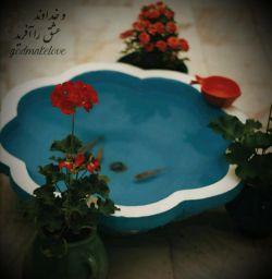 از تمامِ دارایی ها... یکی دو گلدانِ شمعدانی دارم یک جفت ماهیِ سرخ دارم دوچرخه ای یادگارِ پدربزرگ یک مدادِ دندان زده چندتایی شعر.. و تا دلت بخواهد دوستت دارم.. #حمید_جدیدی
