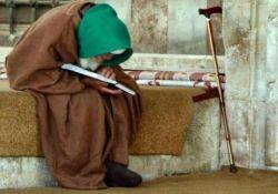 هرگاه پیری را دیدی که به سختی رکوع وسجود نمازش را انجام میدهد، بدان اگرخداوند عمرتو را هم طولانی کند روزی مانند اوخواهی شد.فرصت را غنیمت بشمار و درجوانی عمل نیک انجام ده. َ