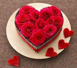 سلاااااام به دوستان عزیز ... این گلهای زیبا رو تقدیم میکنم به دوستان خوبم که تو این مدتی که نبودم به یادم بودن و با تگها و پیامهای پر مهرشون به یادم بودن ...