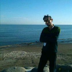 چقدردرکناردریاکامل ترشدی،چقدربادریا تفاهم داری،تومثل دریاست دل زیبات،کاش من ساحل قلبت بودم،ولی....برعکس دریا...تودلت روبه دریا میزنی ودریادلش روبه ساحل ...عزیزم تودریادل منی....من ازاین دریادلی میترسم ..آشوبم... ارامشم تویی