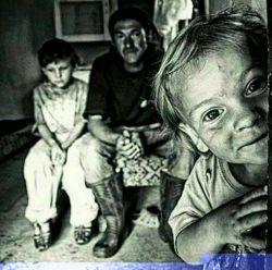 #پسر :فقرچند روز طول میکشه پدر : 40روز پسرم  #پسر : بعد از 40روزثروتمند میشویم  پدر : نه پسرم ،عادتمیکنیم