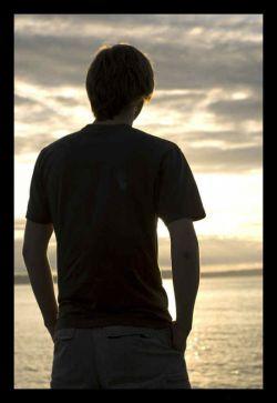 همیشه اونایی که دست از سرت ور نمیدارن عاشقت نیستن، یه وقتایی هنوز به چیزی که ازت میخوان نرسیدن!!!