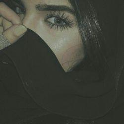 ... مدت هاست می خواهم بگویم  دوستش دارم! اما... شما که غریبه نیستید ، رویش را ندارم ؛  می خواهم بگویم : عاشق چشمانت شده ام اما... شرم می کنم!  می ترسم بگویم بودنت حالم را خوب می کند ؛ صدایت...  زیباترین آهنگ شب هایم می شود!  می ترسم بگویم او هم ماندنی نباشد ؛  آدم ها را که می شناسی! تا بوی دوست داشتن به مشامشان می رسد هنوز  هوای رفتن به سرشان می زند ...