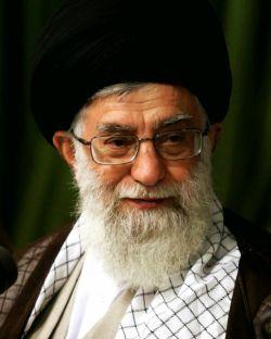 غرق رحمت، روانِ هر کس که، انقلابی و حیدری باشد هر چه خاک تمامِ یاران است، باقیِ عمرِ #رهبری باشد...