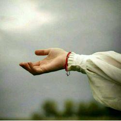 می باری ای باران و می شویی زمین را  اما نمی شویی دل اندوهگین را..  #حسین_منزوی