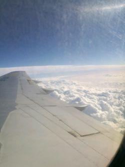 #ابر #آسمان #هواپیما #آبی #بال #عکاسی #P9 #مشهد #اهواز #ایران  #bar_faraz_aseman
