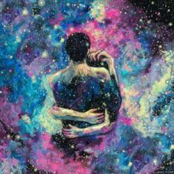 حاضرم همهی دنیا را  ساکت کنم تا تو در آغوشم آرام بخوابی. حالا تب تنت را ببوس روی تن من