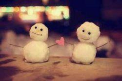 عشقیعنی امید ، یعنی طراوت باران ، یعنی سفیدیبرف، یعنی ساز زندگی و لبریز از خوشی وعشقیعنی راز زیستن !