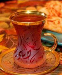 دِنج یعنی قلب کسانی که حالت را خوب می کنند ....... دِبش یعنی چایی که عطرش تو را مست کند ...... با همان چـوبِ دارچین و گل سرخ دوست داشتنی ....یک استکان چای کمر باریک دبش مهمان من و قلب من باش....چای دبش از من لبخند شیرین از تو