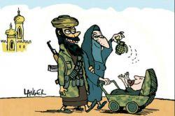 نظرتون راجع به این عکسه چیه؟  مهم نیست که اینا داعشی هستن بعضیا با گذاشتن بچه هاشون پای کارتونها  و فیلم ها و بازی های خشن ناخواسته اونا رو جنایتکار یا حداقل ضداجتماعی یا قصی القلب بار میارن #داعش #سیاسی #خانواده