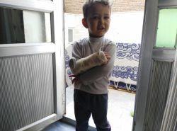 آیدین و دستش که شکسته بود