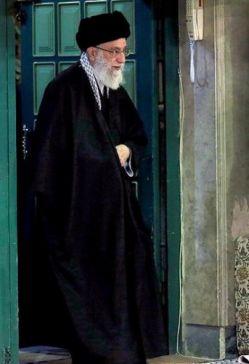 آن قدر در می زنم این خانه را  تا ببینم روی صاحب خانه را    ♥ اللهم احفظ قائدنا مرجعنا و ولینا امام خامنه ای