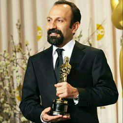 افتخار بزرگیست که برای دومین بار این جایزه با ارزش را دریافت میکنم. از اعضای آکادمی، گروهم در ایران، تهیه کنندهام الکساندر ماله-گی و پخشکنندگانم کوهن مدیا و آمازون تشکر میکنم. همچنین سپاسگزارم از همبستگی دیگر کاندیداهای بهترین فیلم خارجی.   متاسفم که امشب در کنار شما نیستم، من به احترام مردم کشورم و شش کشور دیگر که با قانون غیرانسانی منع ورود مهاجران مورد بیاحترامی واقع شدند به آمریکا نیامدم.