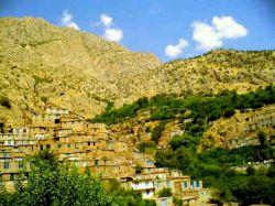 روستای ژیوار در منطقه هورامان استان کردستان است . ژیوار در گویش کردی به معنی زنده است .زیبایی روستای ژیوار به دلیل پلکانی بودن بنای آن در حصار درختان سر به فلک کشیده است . اگر می خواهید ماسوله متفاوت را در غرب ایران تجربه کنید سری به این روستا بزنید. #ایران_زیبا #ایرانگردی
