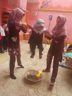 اجرای مراسم کهن چهارشنبه سوری به همراه کودکان