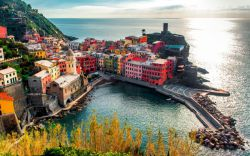 Italy Vernazza Colorful Houses