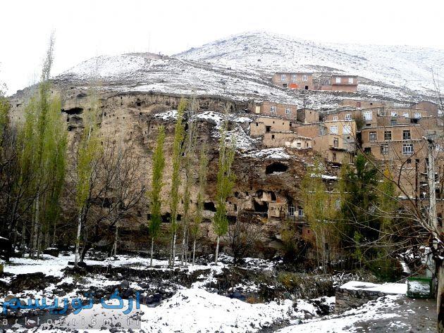 روستای باستانی و صخره ای چراغیل آذرشهر در دل سهند