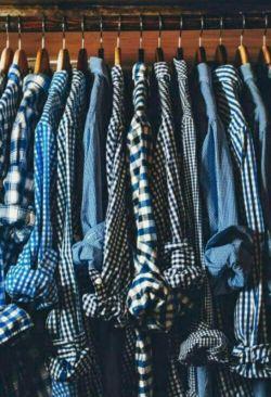 من اگه پسر بودم همش پیرهن آبی چهارخونه میپوشیدم  خیلی خوبه لنتی ....