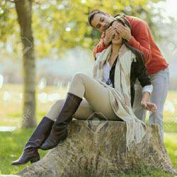 عشق یعنے دل بلرزد       تا کہ نامش میبرے  عشق یعنے درد یارت       رابہ جانت میخرے  عشق یعنے مے بنوشے       دم بہ دم از جام او  سرو خود را بشکنے       تاسر به پایش آورے.