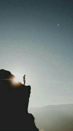بیابانَست و تاریکی  بیا ای قرصِ مهتابم ....  - سعدی