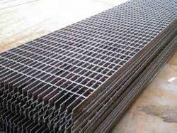 تصویری از گریتینگ فلزی ساخته شده را مشاهده می نمایید.