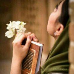 گلچین شـــعر: تا فال میگیرم تورا ، حافظ روانی میشود    با شاعران بازی نکن ، جنگِ جهانی میشود
