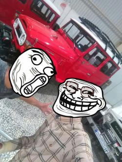 من و پسر داییم در نمایشگاه اتومبیل :)