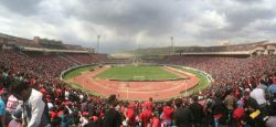 استادیوم پر از تماشاگر ۷۵ هزار نفری یادگار امام تبریز ، طرفداران تیم محبوب وپرطرفدار #تراکتور آذربایجان
