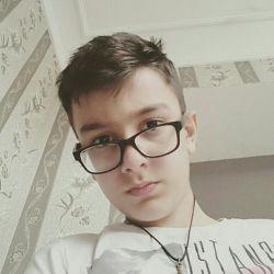 دنبال یه دوست واقعی ام ....کسی هست!؟؟